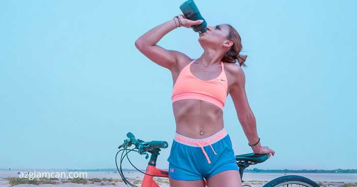 làm thế nào để đi xe đạp không mỏi chân: bổ sung nước đầy đủ